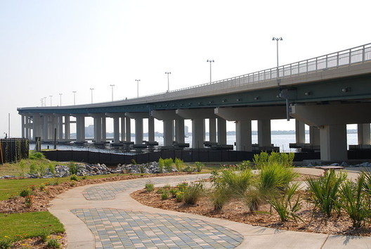 A landscaped pedestrian path that was part of the construction efforts post-Katrina. Image © Wikimedia Commons