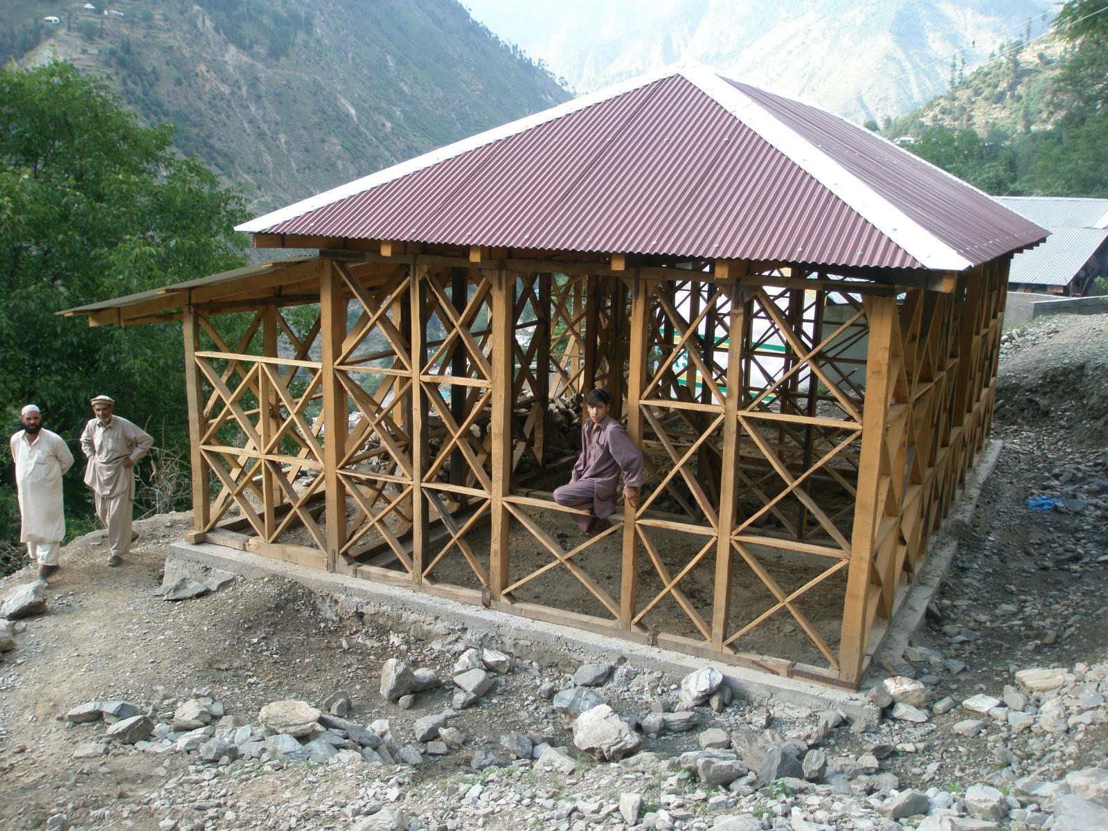 Viviendas sismo-resistentes son desarrolladas en Pakistán a través de mejoras en los sistemas locales de construcción
