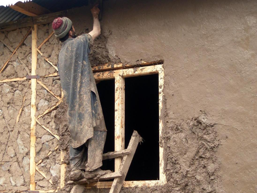 Viviendas sismo-resistentes son desarrolladas en Pakistán a través de mejoras en los sistemas locales de construcción, © Vía Open Architecture Network
