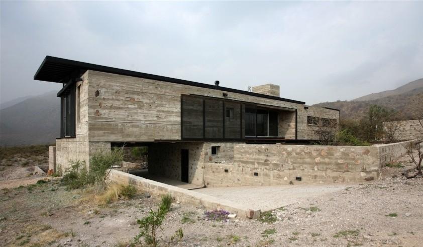 House in Villa Cielo / Estudio M + N, © Gustavo Sosa Pinilla