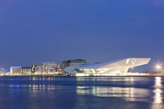 EYE – Novo Instituto de Cinema Holandês / Delugan Meissl Associated Architects. Imagem © Iwan Baan