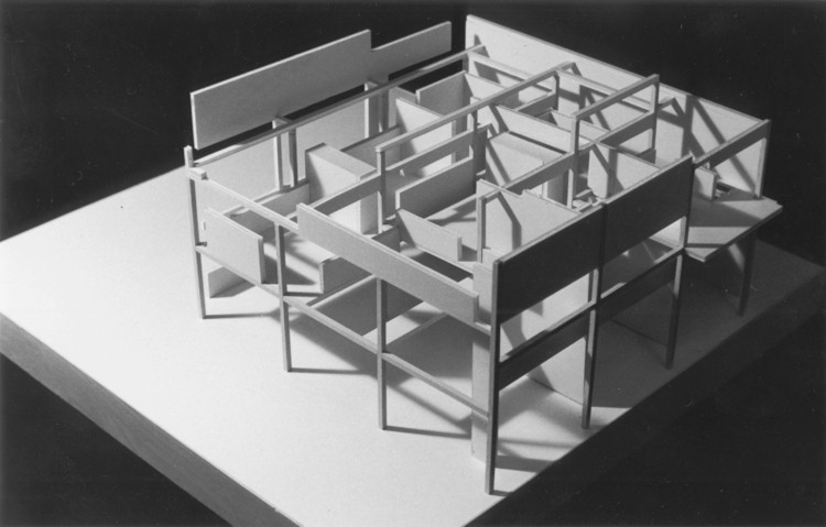 Eisenman 39 s evolution architecture syntax and new for Architecture 9 square grid