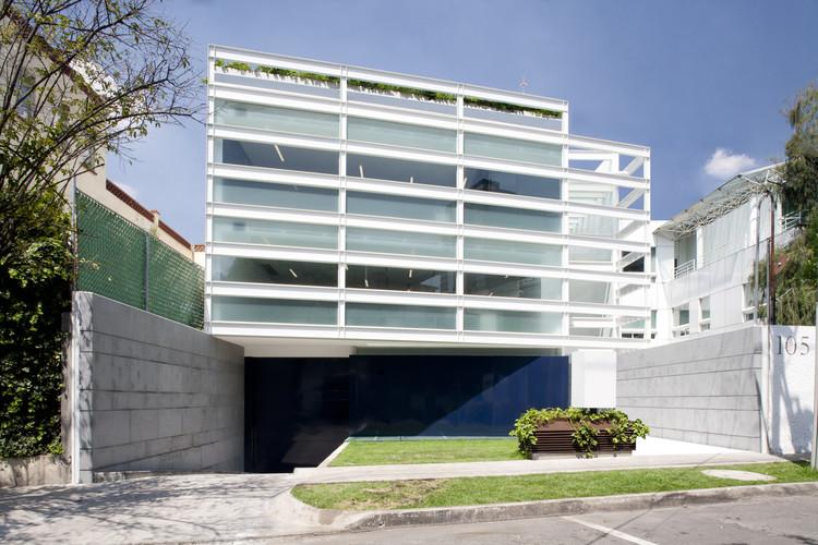 Corporativo Endomédica / Vicente Alonso Ibarra - PRAXIS Arquitectura, © Alberto Moreno Guzmán