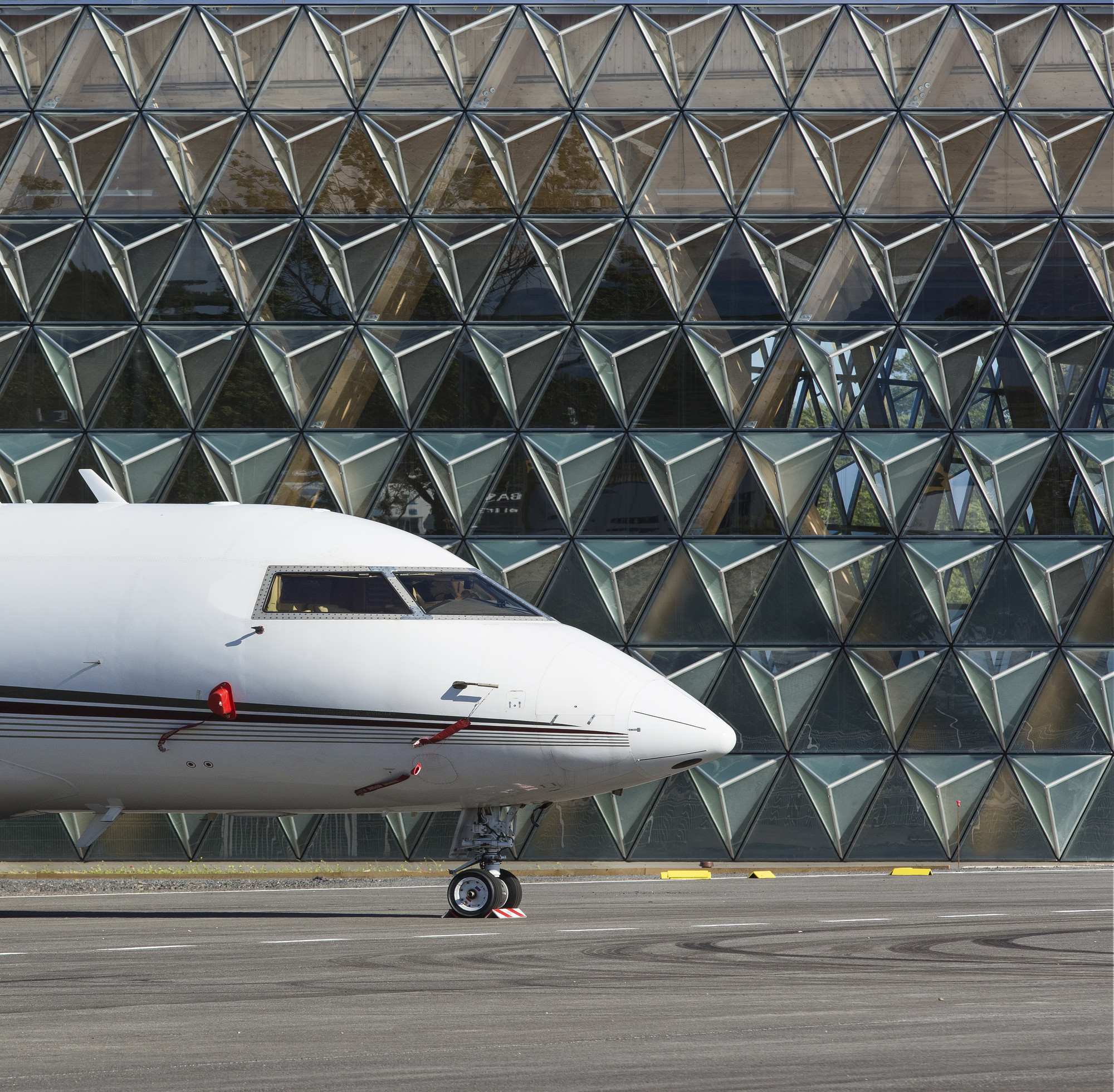 Hangar H16 Comte Vollenweider Architectes ArchDaily