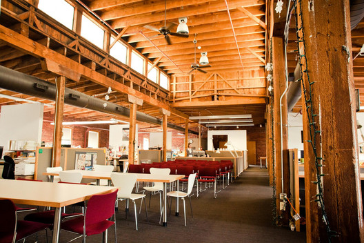 The interior of Sasaki Associates, based out of Watertown, MA. Image © Peter Alfred Hess, Flickr User Peter Alfred Hess