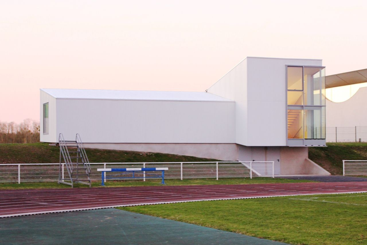 Méru athletics / Olivier Werner Architecte, Courtesy of Olivier Werner Architecte