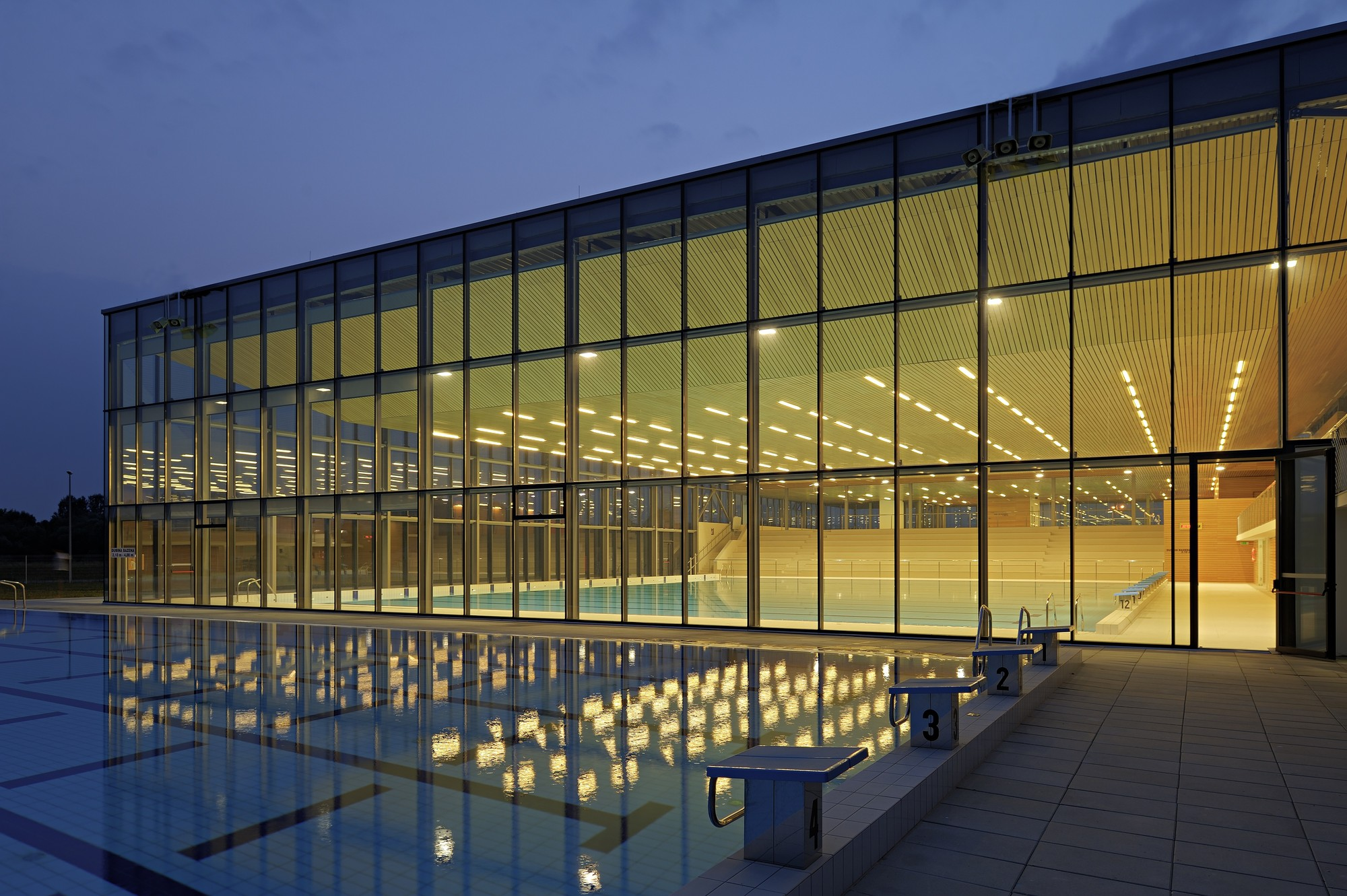 Swimming Center Vijuš / SANGRAD architects + AVP Arhitekti, © Sandro Lendler