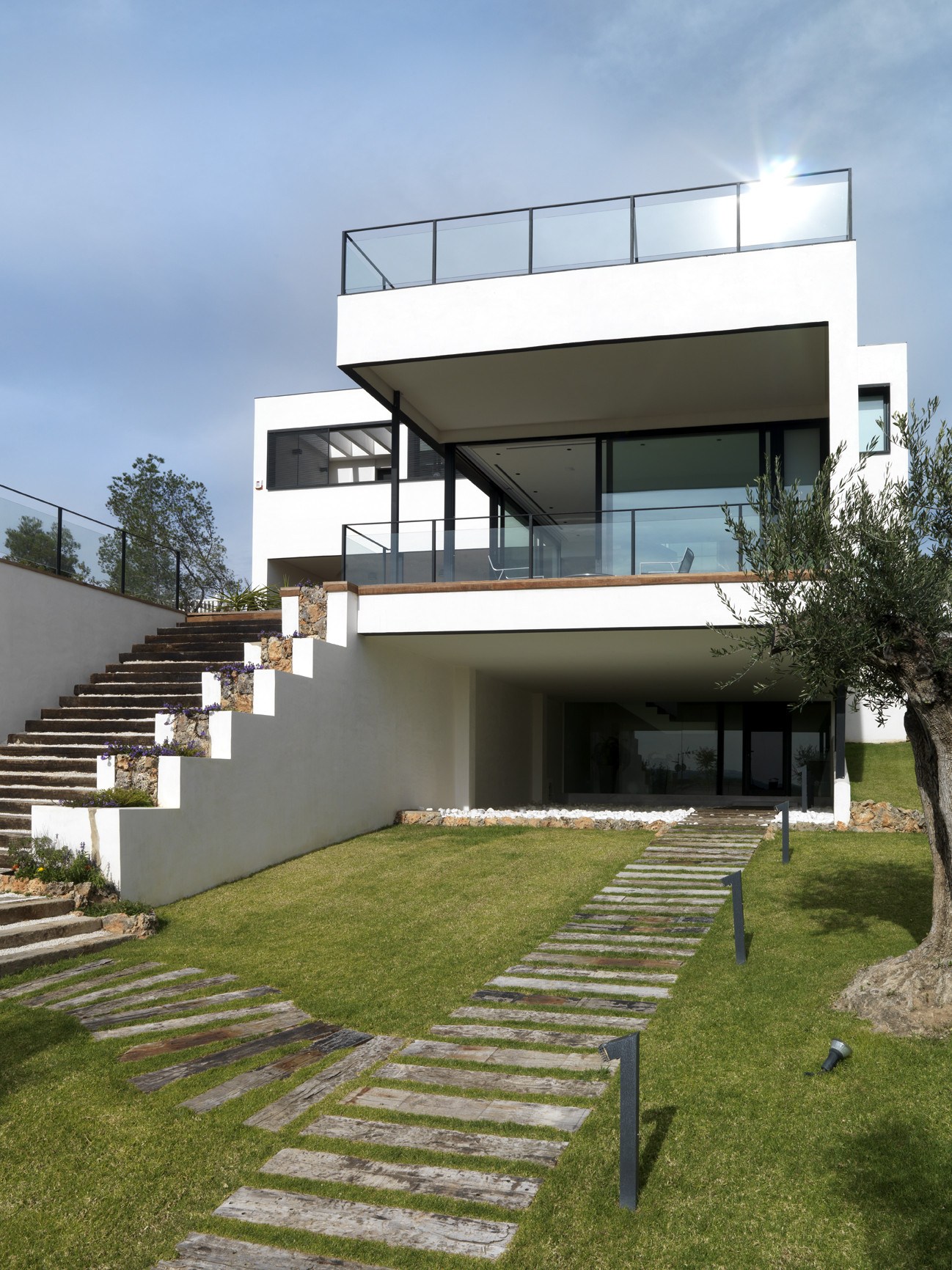 Time house ladaa archdaily for Casa modern