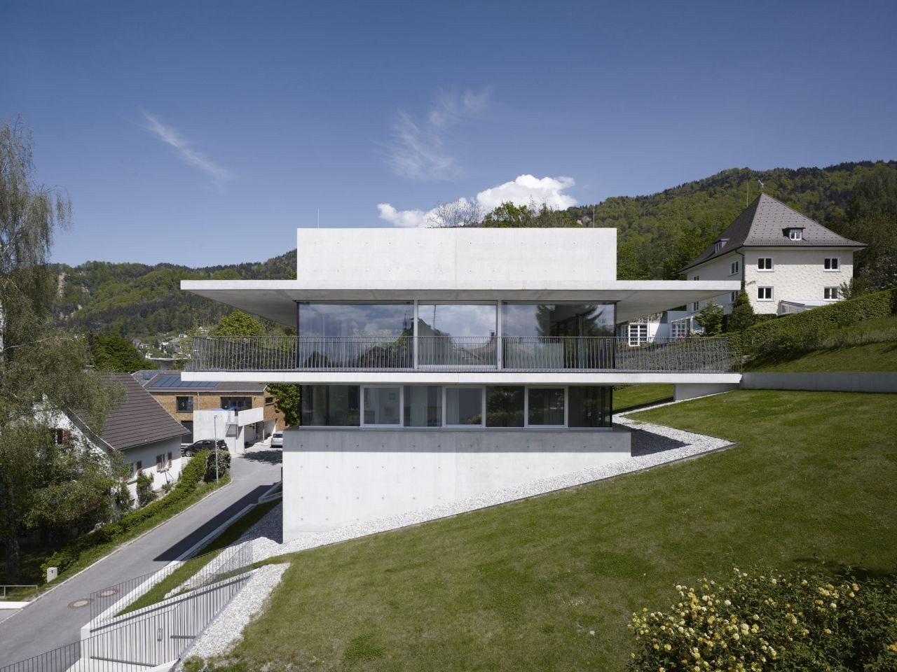 Gallery of House by the Lake / marte.marte Architekten - 1