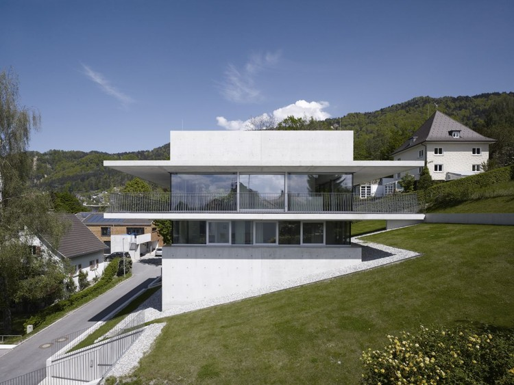 House by the Lake / marte.marte Architekten, © Marc Lins