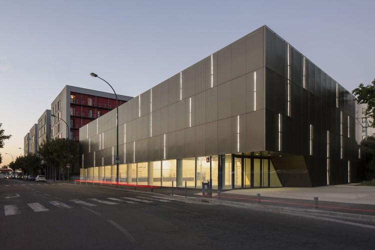 Asnières-sur-Seine School Gymnasium / Ateliers O-S architectes , © Cecile Septet