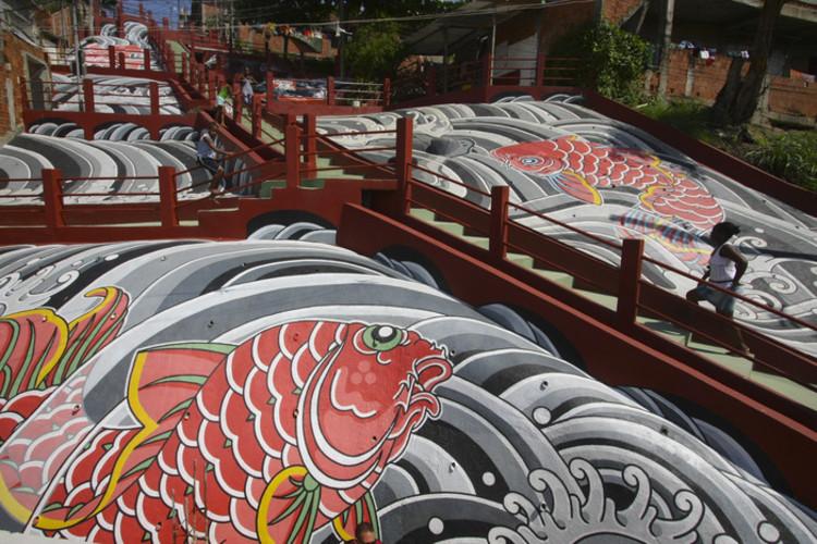 Nova Campanha Kickstarter para Colorir uma Favela no Rio de Janeiro, Favela Painting: Rio Cruzeiro, realizado em 2008. Imagem Cortesia de Página Kickstarter do Favela Painting