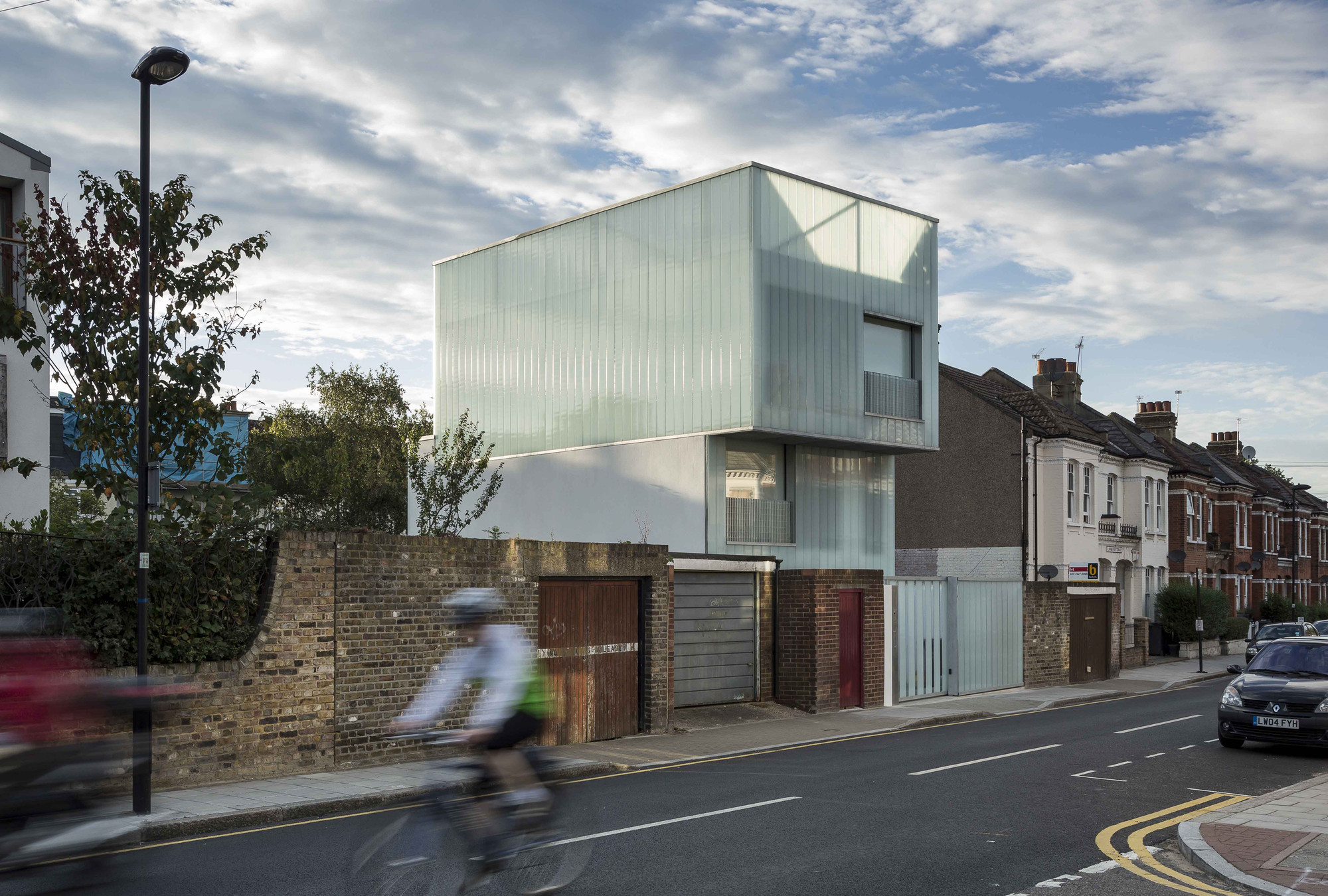 Slip House Wins the 2013 RIBA Manser Medal, © Tim Crocker