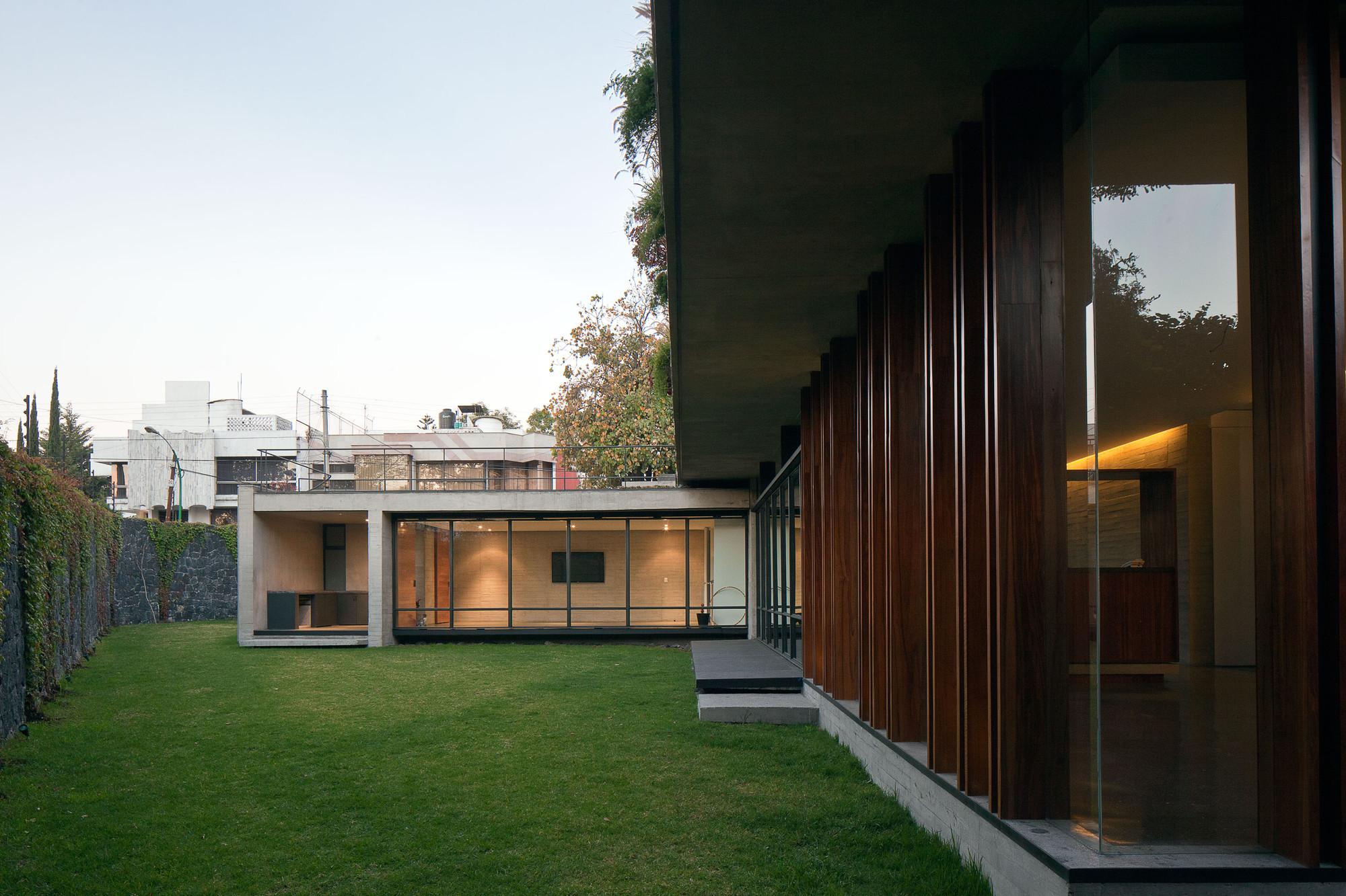 Casa Fuentes / DMP Arquitectura