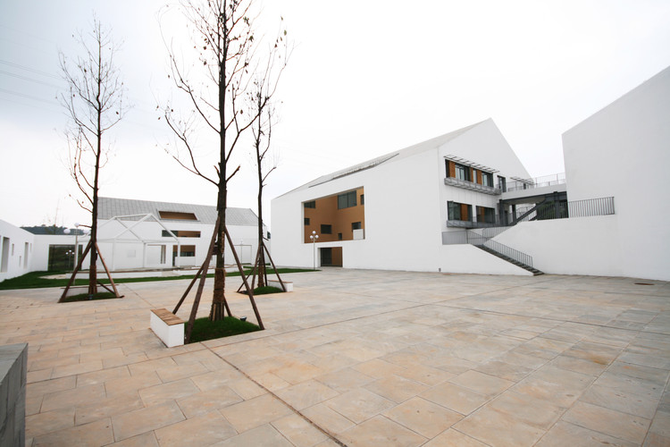 Escuela para niños sordos y con discapacidad intelectual / China Southwest Architectural Design and Research Institute Corp. Ltd, © Liu Yi