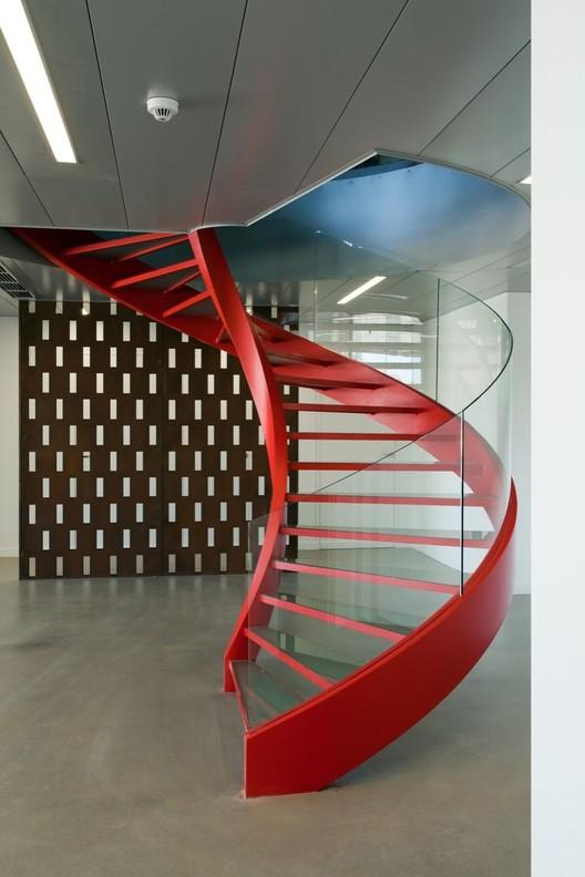 Illy a31 architecture archdaily - Barandillas escaleras modernas ...