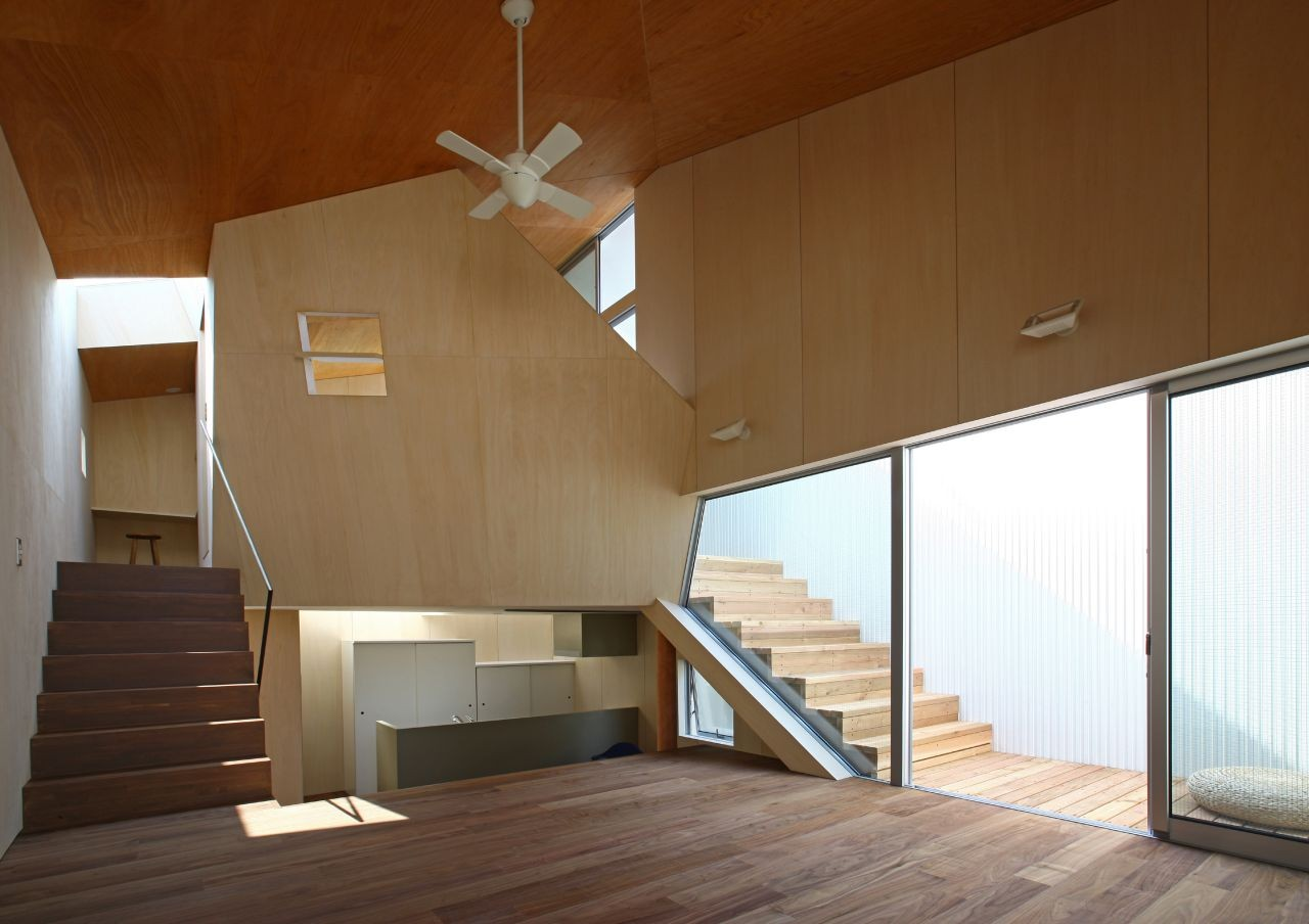 House at Akatsuka / atelier HAKO architects, © Shinsuke Kera / Urban Arts