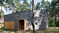 House in the woods / Hayakawa/Kowalczyk