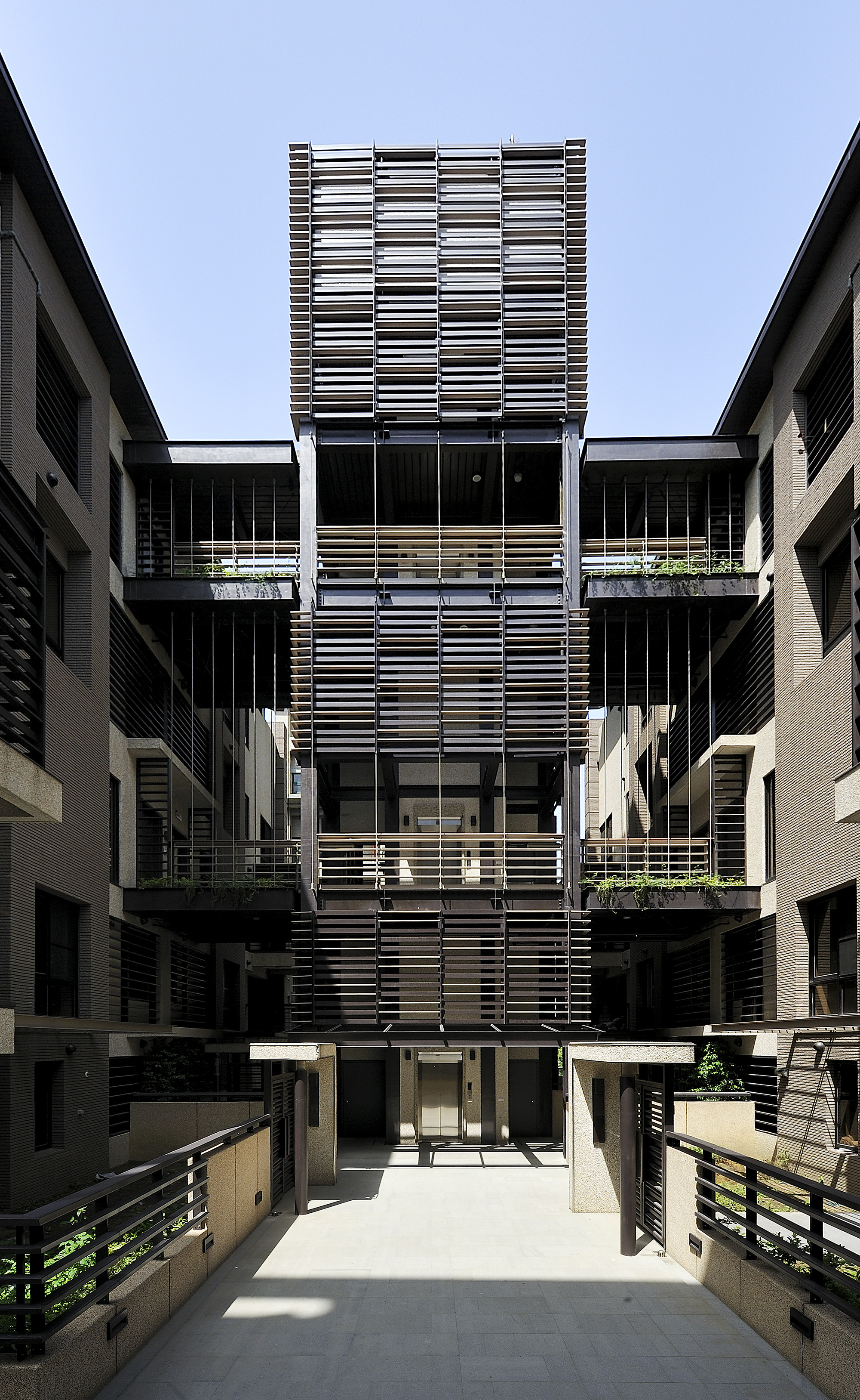 Mountain Architects Hendricks: Gallery Of Mountain Moon / Chin Architects