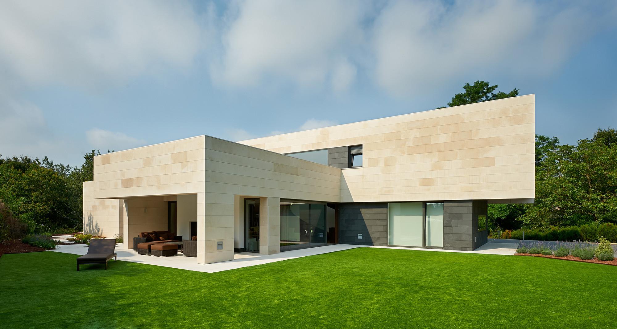 Casa en la Bilbanía / Foraster Arquitectos, © Joseba Bengoetxea