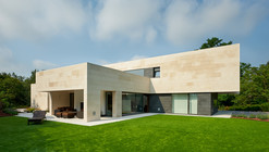 Casa em La Bilbanía / Foraster Arquitectos