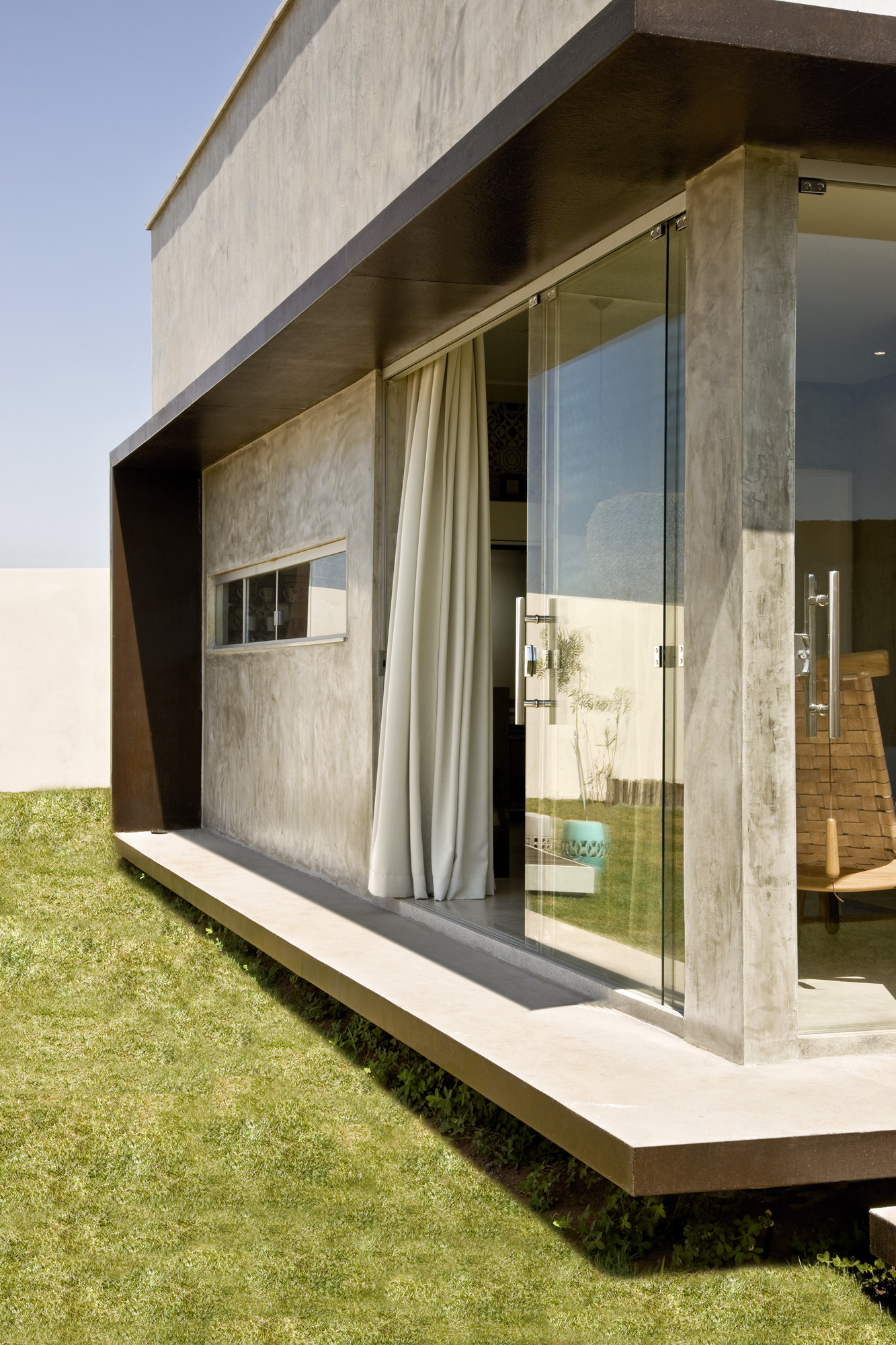 Gallery of Box House / 1:1 arquitetura:design - 3 on apple box house, simple box house, white box house, rectangular house, metal box house, space box house, box type house, 20x20 house, triangle house, sweet pea tiny house, glass box house, modern box house, wooden box house, flat box house, steel box house, corrugated box house, cone house, blue box house, small box house, flower box house,