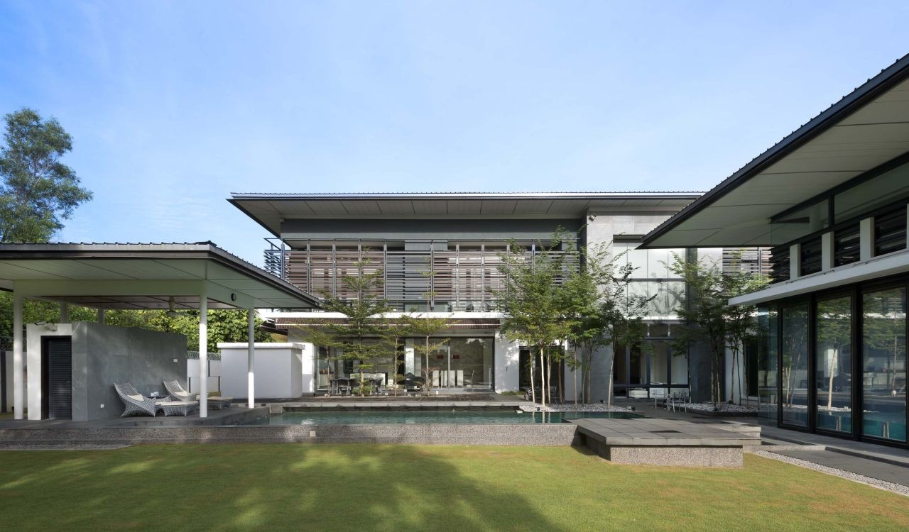 Zeta house 29 design archdaily for Architecture design malaysia house