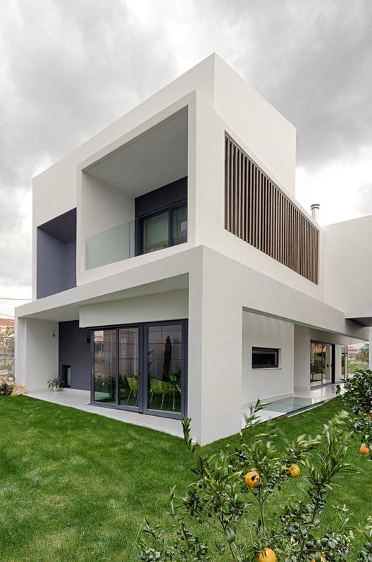 Casa Familiar / Office Twentyfive Architects, © Matheus Kleanthis
