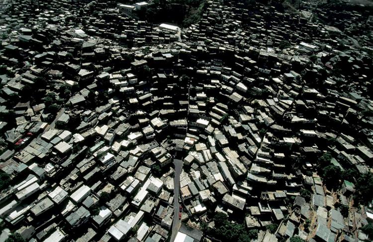 """Cinema e Arquitetura: Especial Arqfilmfest 2013 [Parte 1], """"Caracas: The Informal City"""" / Urban-Think Tank. Imagen Vía Caracas1010a"""