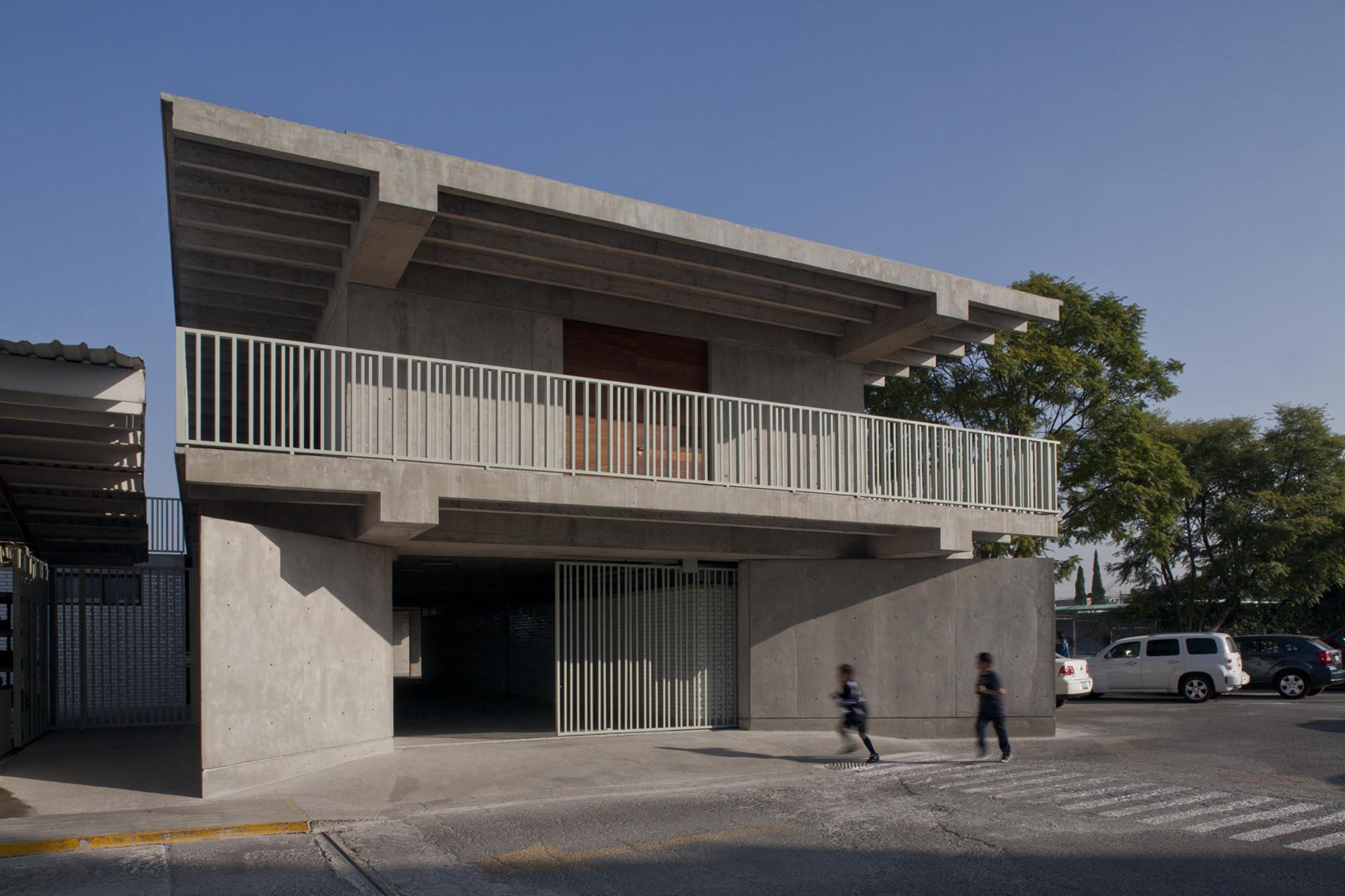 Vespertinas Nuevo Continente School / Miguel Montor, © Alberto Moreno Guzmán