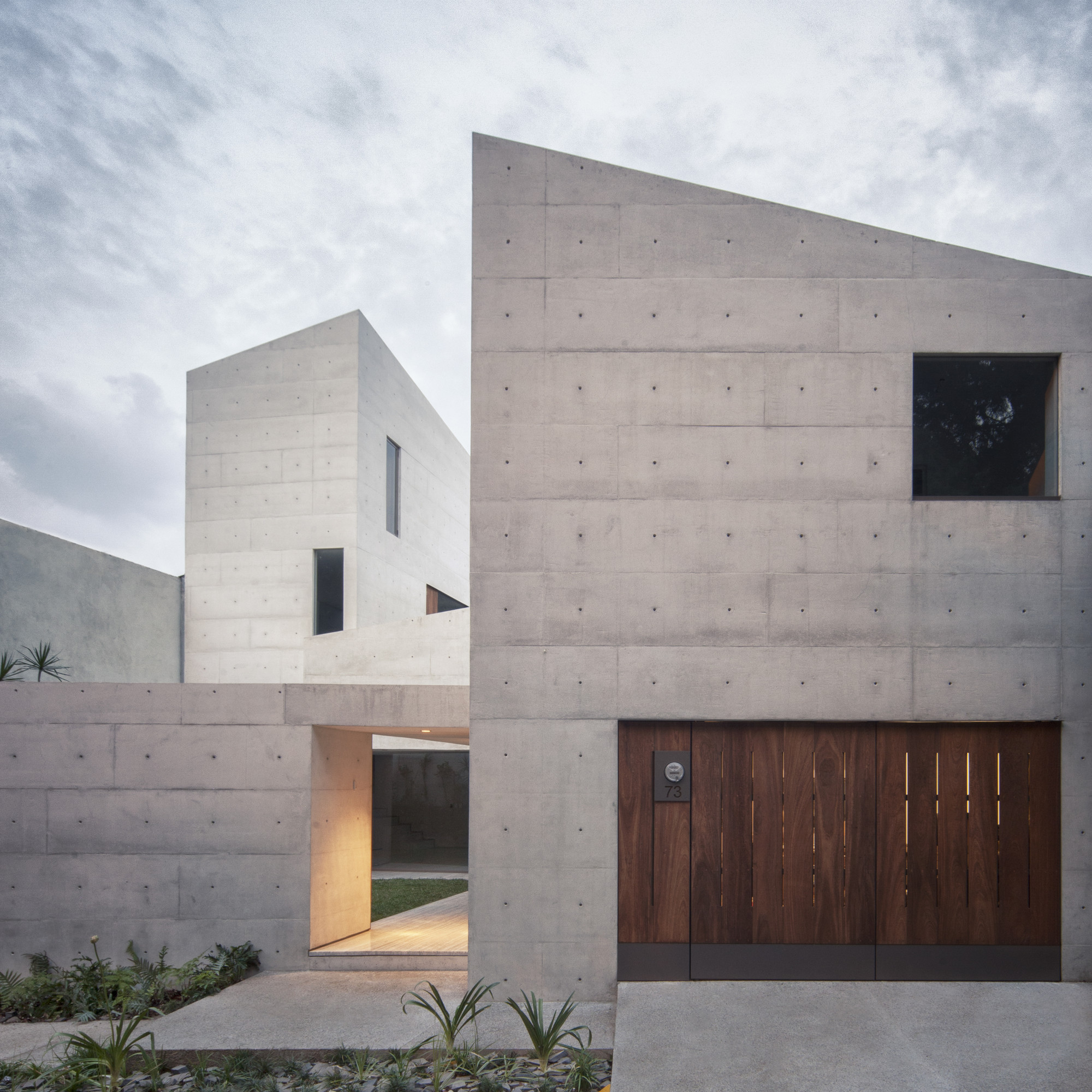 CAP House / Estudio MMX, © Yoshihiro Koitani