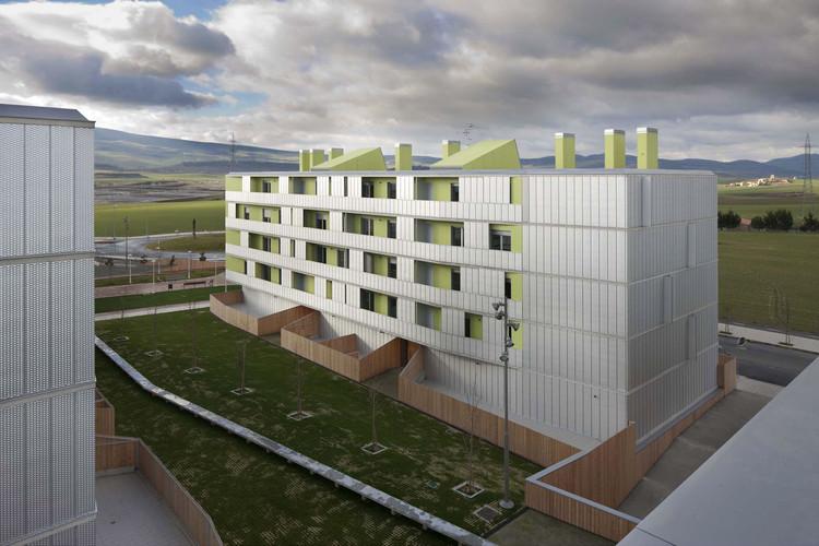 Habitação 108 VPT em Ardori / Alfonso Alzugaray, © J.M. Cutillas