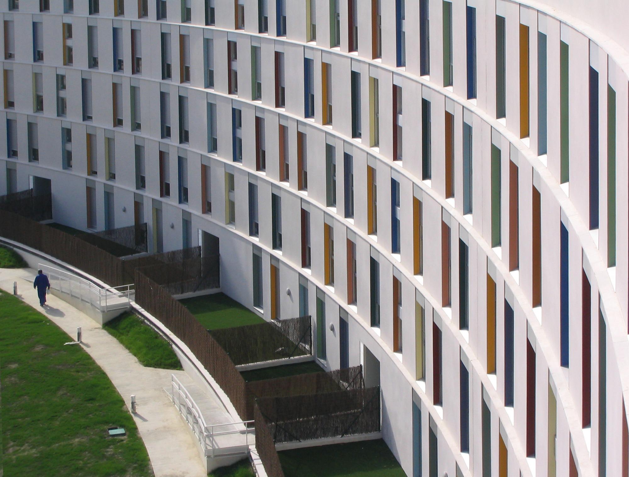 172 Social Housing Building / Alfonso Alzugaray , © Cesar San Millán