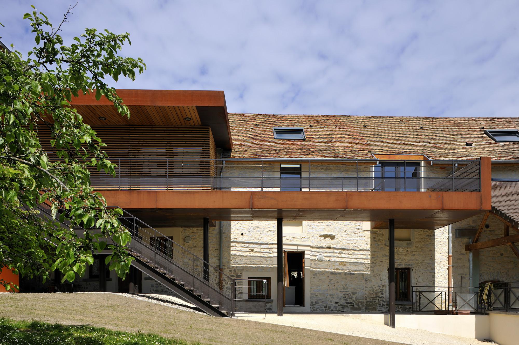Creys Mépleu City Hall / Composite Architectes, © Studio Erick Saillet