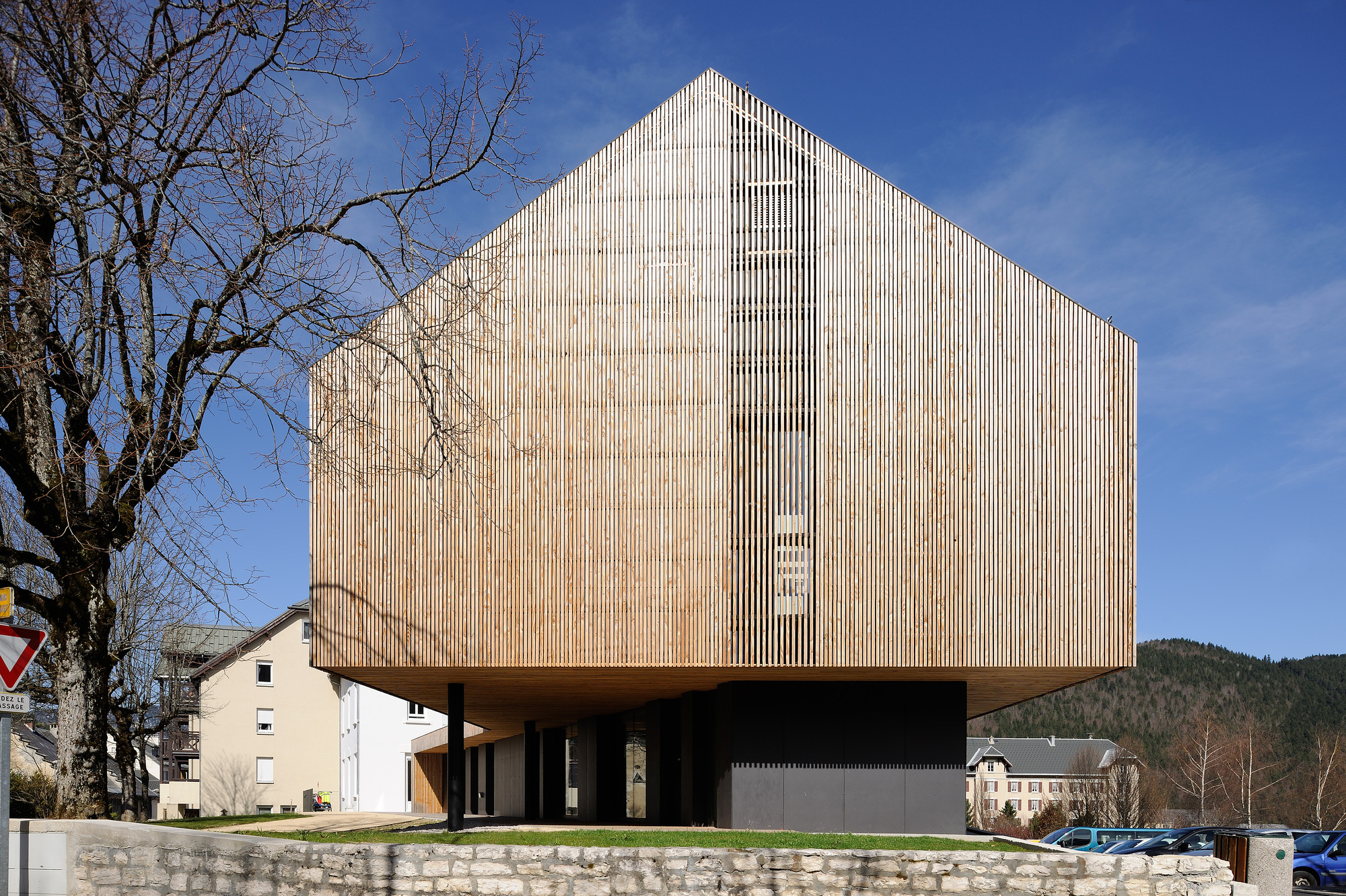 Vercors Massif Community Offices / Composite Architectes, © Studio Erick Saillet