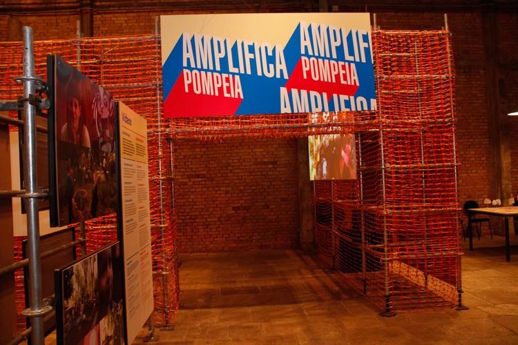 Abertura da Bienal no Sesc Pompeia – Modos de Colaborar, Imagem do evento. Image © Denise Andrade