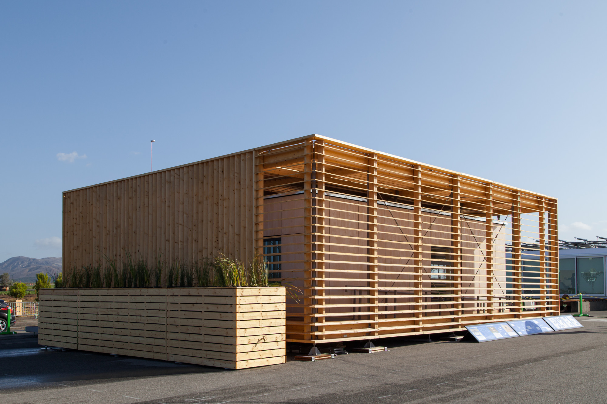 Solar Decathlon 2013: Czech Technical University Wins Architecture Contest, Places Third Overall, © Jason Flakes/U.S. Department of Energy Solar Decathlon