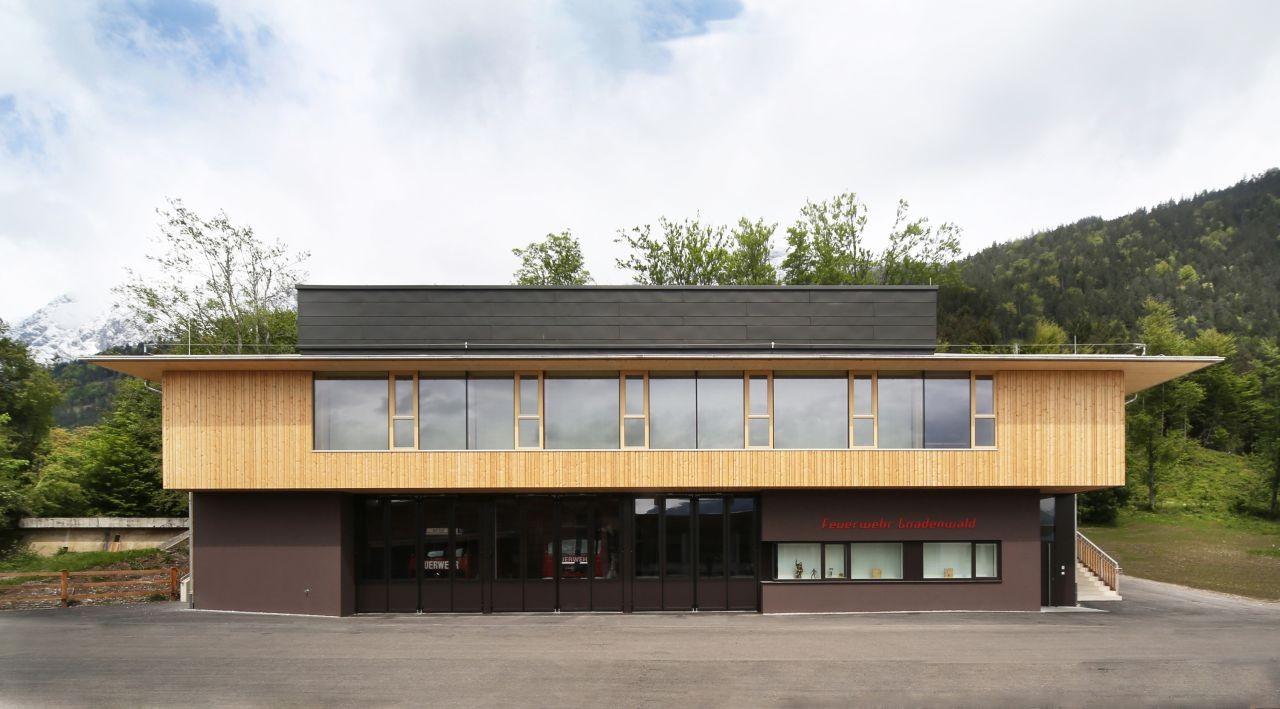 Gallery of fire station club house gnadenwald for Architektur werkstatt