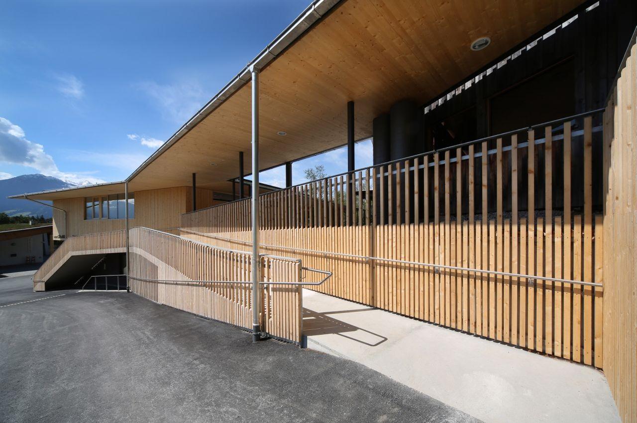 Fire Station | Club House | Gnadenwald / Gsottbauer architektur.werkstatt, © Birgit Köll