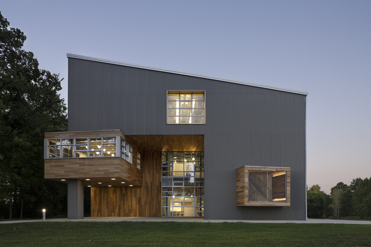Edifício U - Abercrombie & Fitch / MJ Sagan Architecture, © Michael Moran
