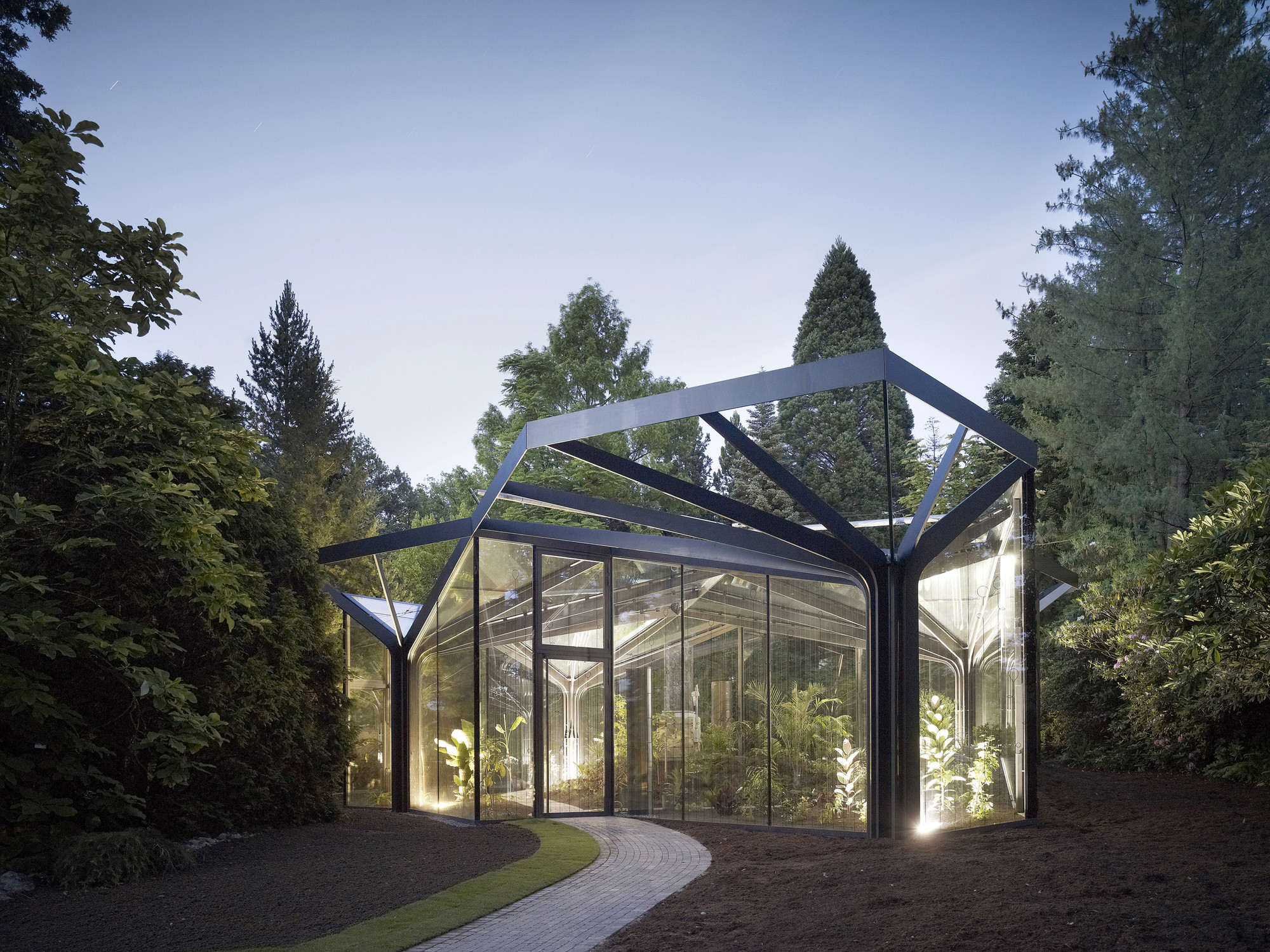 Greenhouse botanical garden grueningen ida archdaily for Botanical garden design