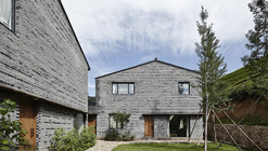 Placid Mogan Cottage  / genarchitects