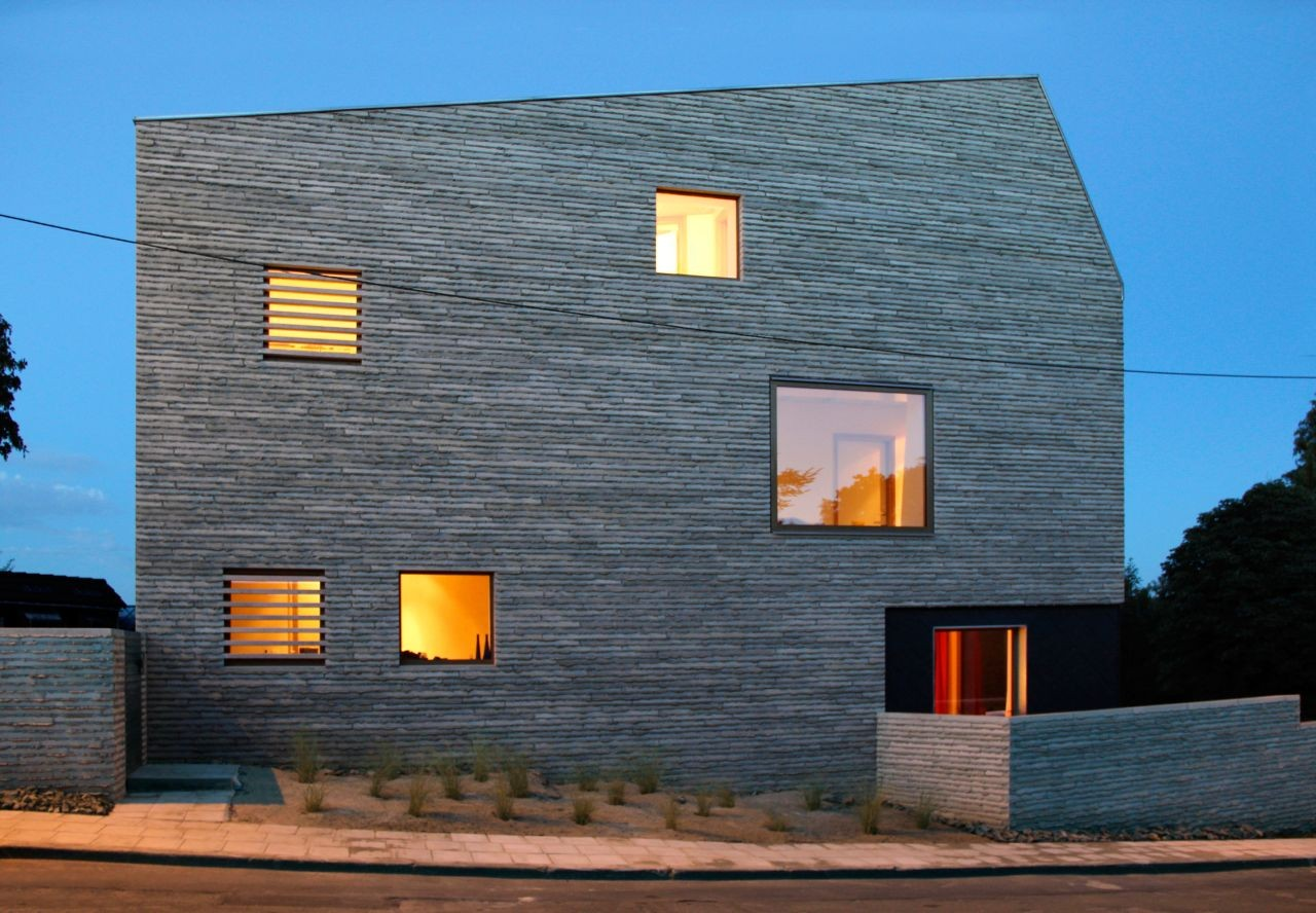 Gallery of WALL HOUSE / AND'ROL - 5