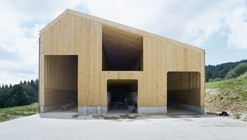Etable De Stabulation Libre / LOCALARCHITECTURE