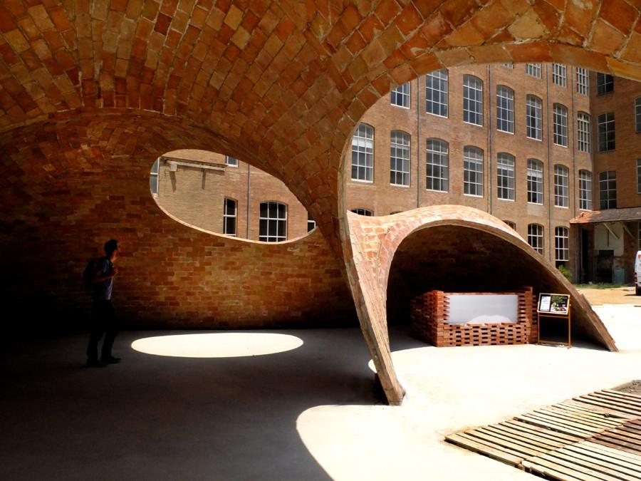 Bricktopia: artesanía contemporánea en el Festival EME3, Barcelona, © Manuel de Lozar + Paula López Barba