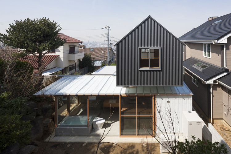 House in Ishikiri / Tato Architects, © Shinkenchiku Sha