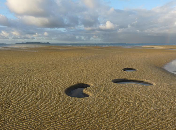 Intervenção na Paisagem: Baixa-mar, espelhos do céu / x-studio, © Iván Juárez