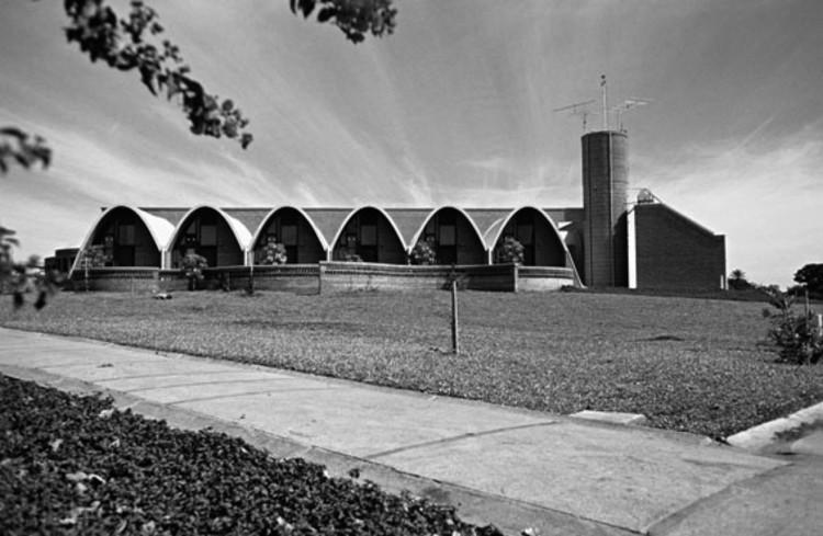 Clássicos da Arquitetura: Residência dos Padres Claretianos / Affonso Risi e José Mario Nogueira, © José Carlos Fioretto, 1985