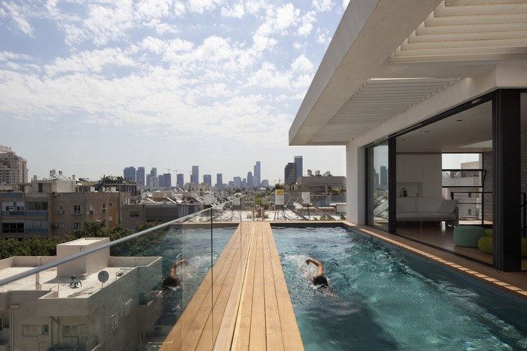 Casa em Tel Aviv / Pitsou Kedem Architects, © Amit Geron