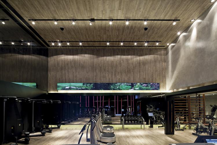 Academia FIT2YOU / Basiches Arquitetos Associados, © Leonardo Finotti